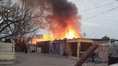 Photo of Voraz incendio consume carpintería y domicilio en la Lázaro Cardenas