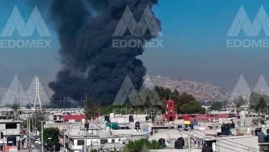 Photo of Un incendio se registra en una fábrica de colchones de Edomex; captan en VIDEOS la columna de humo